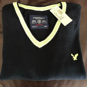 AMERICAN EAGLE 🦅 OUTFITTER V-NECK SWEATER